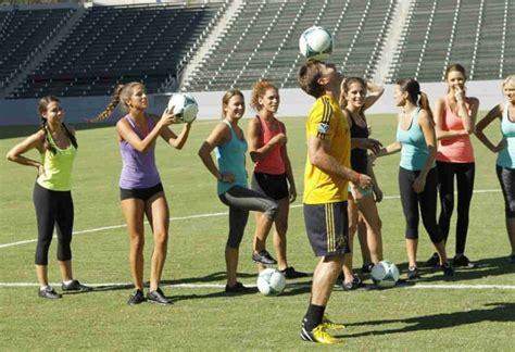 Juan Pablo Plays Soccer - TV Fanatic