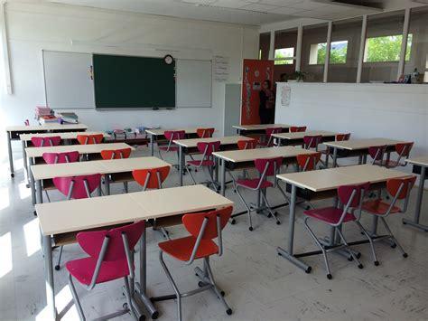 bureaux à vendre mobilier bureaux foyer élèves amphithéâtre salle de classe de lycée collège