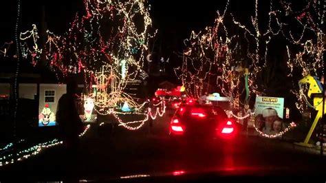 jellystone park christmas lights holiday light display at santa 39 s magical kingdom