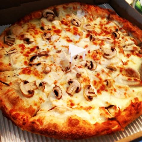 round table pizza everett wa alfy 39 s pizza in lynnwood alfy 39 s pizza 808 150th st sw