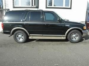 Black 2000 Ford Expedition Eddie Bauer