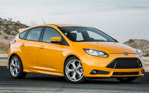 2018 Ford Focus St Front Photo 24