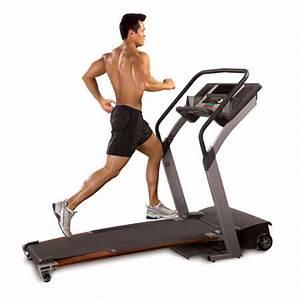 Exercice fitness cardio training tapis de marche ou de for Tapis cardio training