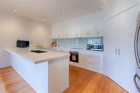 Stone Overlay Benchtops For Kitchen In Mornington. Kitchen Design Pittsburgh. Kitchen Colors That Go With Dark Cabinets. Kitchen Pantry Northcote. Kitchen And Window Specialists. Kitchen Furniture Pantry. Kitchen Stove Operation. B&q Green Kitchen. Quatrefoil Kitchen Tile
