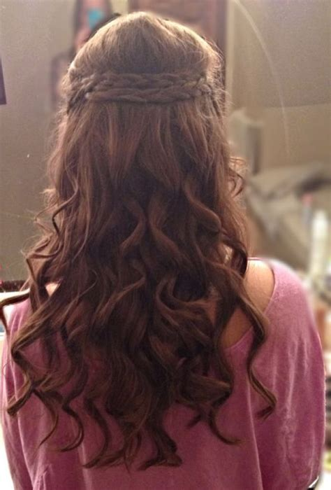 Half Braided Half Curly Hairstyles by 39 Half Up Half Hairstyles To Make You Look