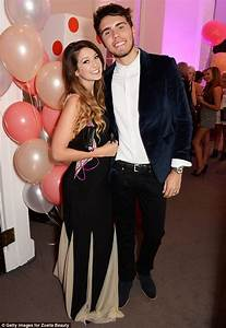 Zoella's boyfriend opens up about life with the YouTuber ...