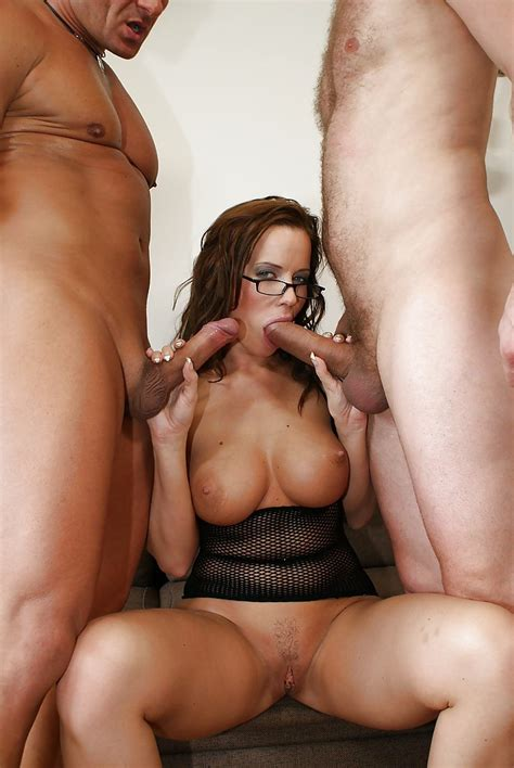 Horny Milf Cindy Dollar Has Fmm Groupsex And Takes Double