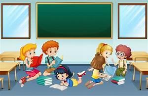 Muchos niños que leen y trabajan en grupo en la escuela ...