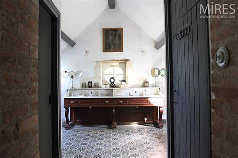 exemple cuisine moderne salle de bains rétro c0394 mires
