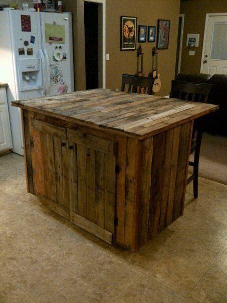 ilot cuisine palette ilot de cuisine fait de bois de palette via indulgy