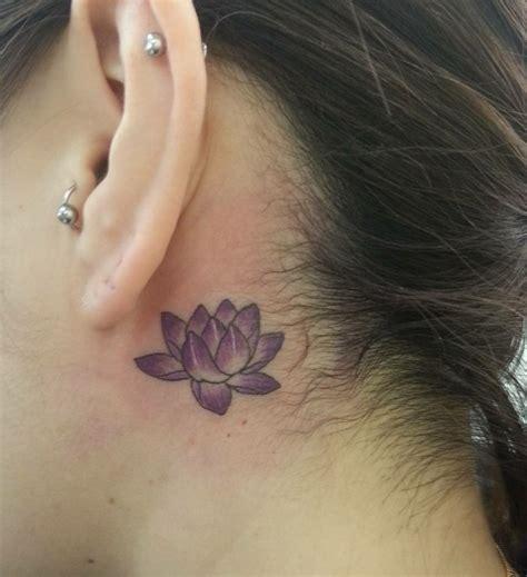 hinterm ohr 39 ideen f 252 r kleine ohr tattoos