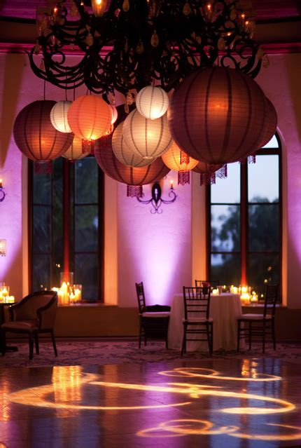 lanterns that add a beautiful ambience I love this decor