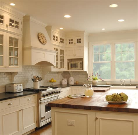 White Kitchen  Traditional  Kitchen  Chicago  By The