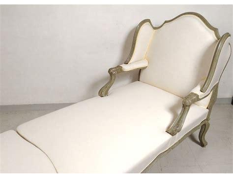 chaise longue palette chaise longue en palette bois maison design bahbe com