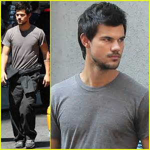 Taylor Lautner is a Gentleman for Co-star Marie ...