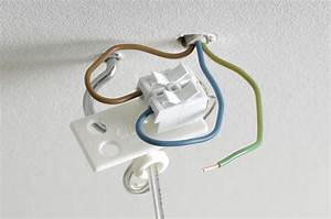 Ikea Lampe Anschließen : so kannst du deine deckenleuchte selbst anbringen diy academy ~ A.2002-acura-tl-radio.info Haus und Dekorationen