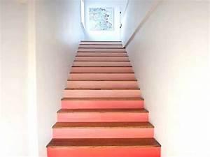 peinture d39escalier rose pour decorer la cage d39escalier With couleur bois de rose peinture 10 cage descalier 20 idees deco pour un bel escalier
