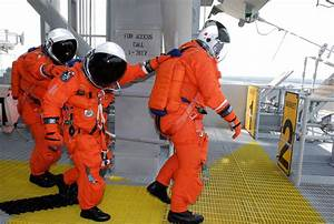 NASA - Spacesuits Built to Handle Pressure