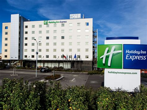 hotel  lisbon holiday inn express lisbon oeiras