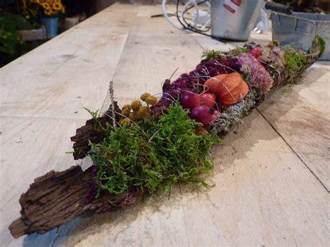 deko idee herbstliches gesteck herbst dekoration