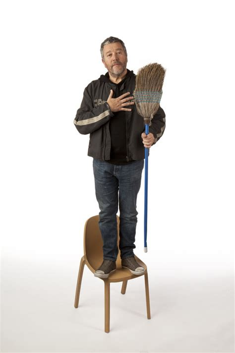 bureau philippe starck broom chair la chaise de starck fabriquée avec des