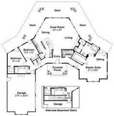 shaped house plans floor plans pinterest shapes house  smallest house