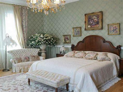 Elegant Bedroom Decorating Ideas With Luxury Chandelier