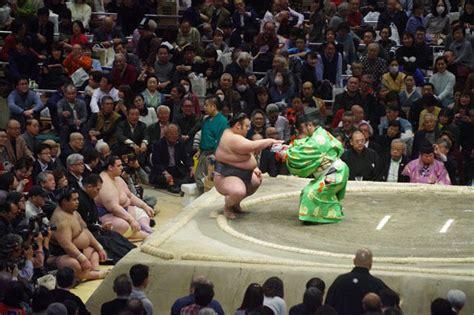 相撲 懸賞 金 いくら