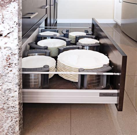 rangement vaisselle cuisine 43 solutions infaillibles pour le rangement trucs et