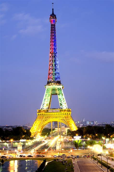A Parigi by Eiffel Tower World For Travel