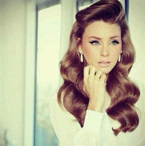 Modern 1940s Hairstyles by Modern Version 1940s 1950s Victory Rolls Pin Up Wavy