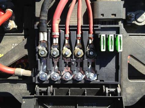 sicherungskasten golf 4 wof 252 r sind die sicherungen im batteriekasten golf 4 forum