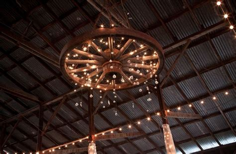wagon wheel chandelier house ideas