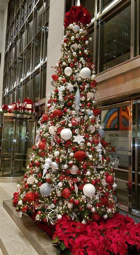 fun office christmas decorations  spread  festive
