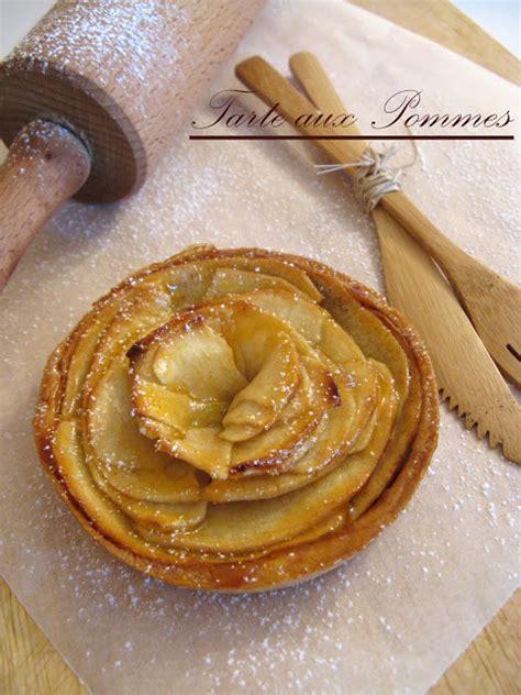 j en reprendrai bien un bout tarte aux pommes sur fond de compote p 226 te sabl 233 e 224 l amande