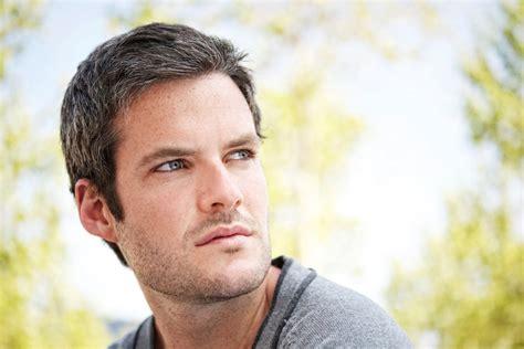 Machen Graue Haare Männer Attraktiv?  Singlede Magazin