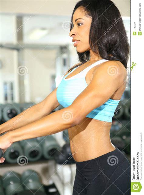id s chambre adulte forme physique d 39 afro américain dans la chambre de gymnastique photo stock image 7799720