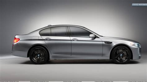 Side Pose Of 2018 Bmw M5 Concept Wallpaper