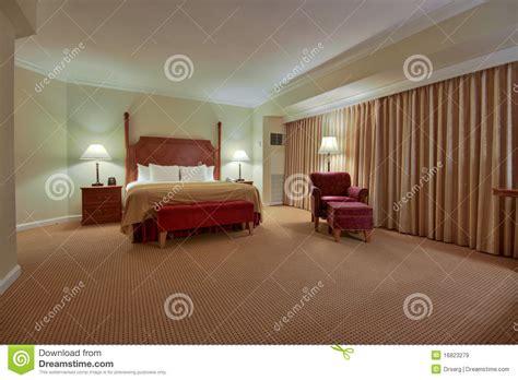 chambre 224 coucher avec le rideau images libres de droits image 16823279