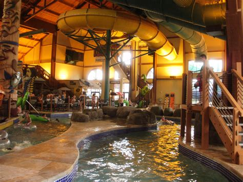 Great Wolf Lodge photos 2010 | Sandwiched