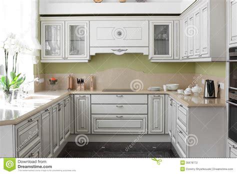 les cuisines modernes cuisine moderne avec les meubles élégants photographie