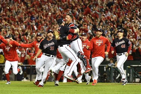 nationals sweep cards  win nl pennant washington dc