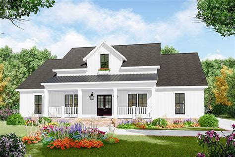 Three-bed Farmhouse Plan With Open Concept Living