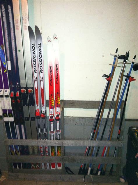 wood pallet transformed   ski rack ski rack