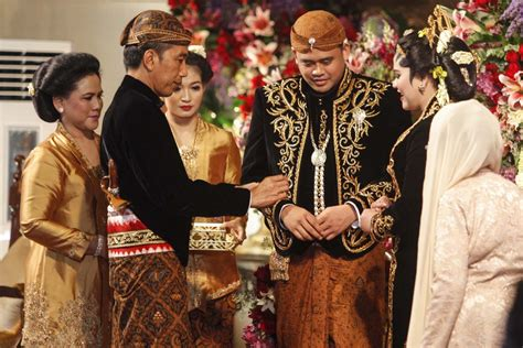 traditional javanese rituals complement  daughters