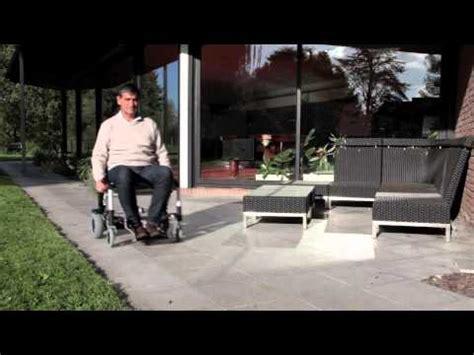 fauteuil roulant 233 lectrique ultra l 233 ger et pliable zinger chez tous ergo