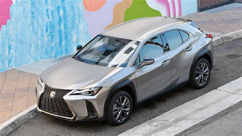 toyota corolla   lexus ux     carplay
