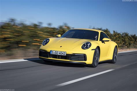 Prices for the 2019 porsche 911 range from $258,590 to $329,900. 2019 Porsche 911 Carrera 4S - Racing Yellow - Dailyrevs