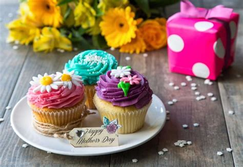 day cupcakes ideas mothers day cake decoration ideas family holiday net guide to family holidays on the internet