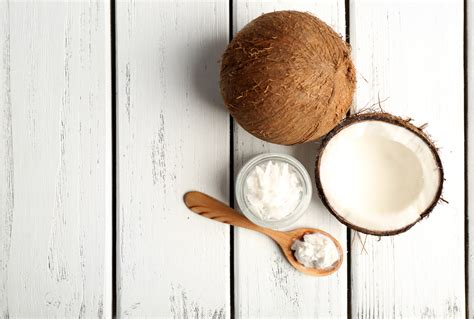huile de noix de coco cuisine 8 vérités sur l huile de noix de coco selon des